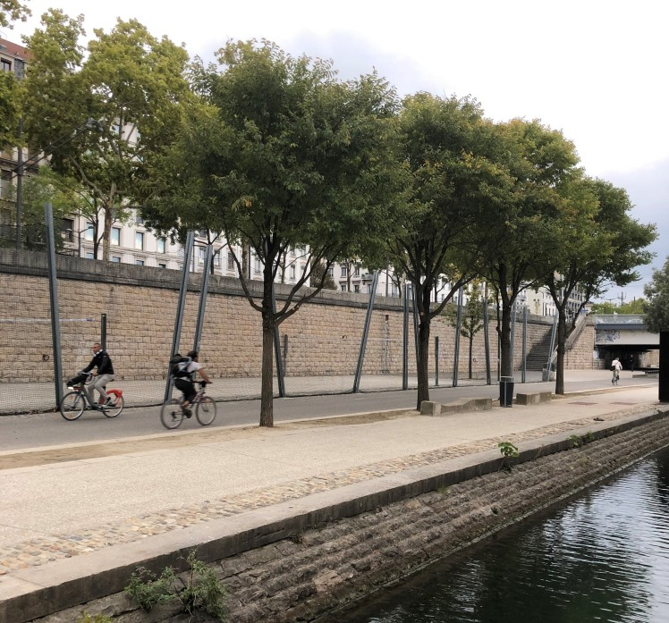 Lyon biking paths